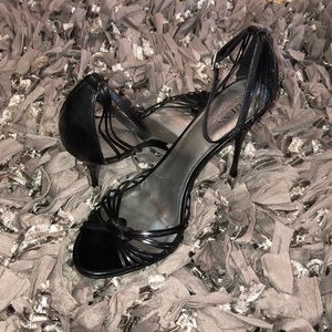 Guess by Marciano black leather heels